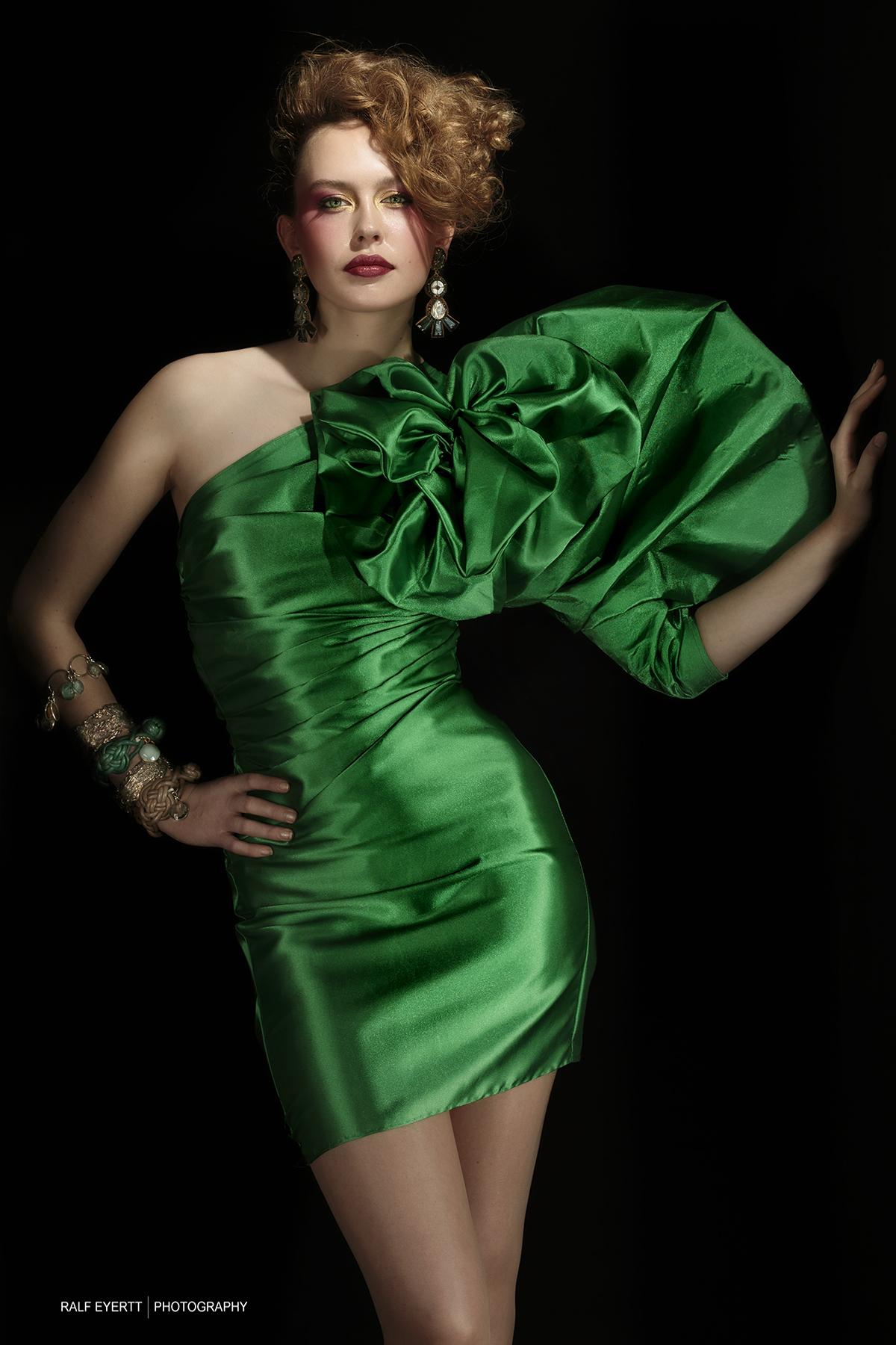 Green Dress mit Laura Kipfer  Foto Ralf Eyertt Outfit Nina Schaub Hair and Makeup Nina Schaub