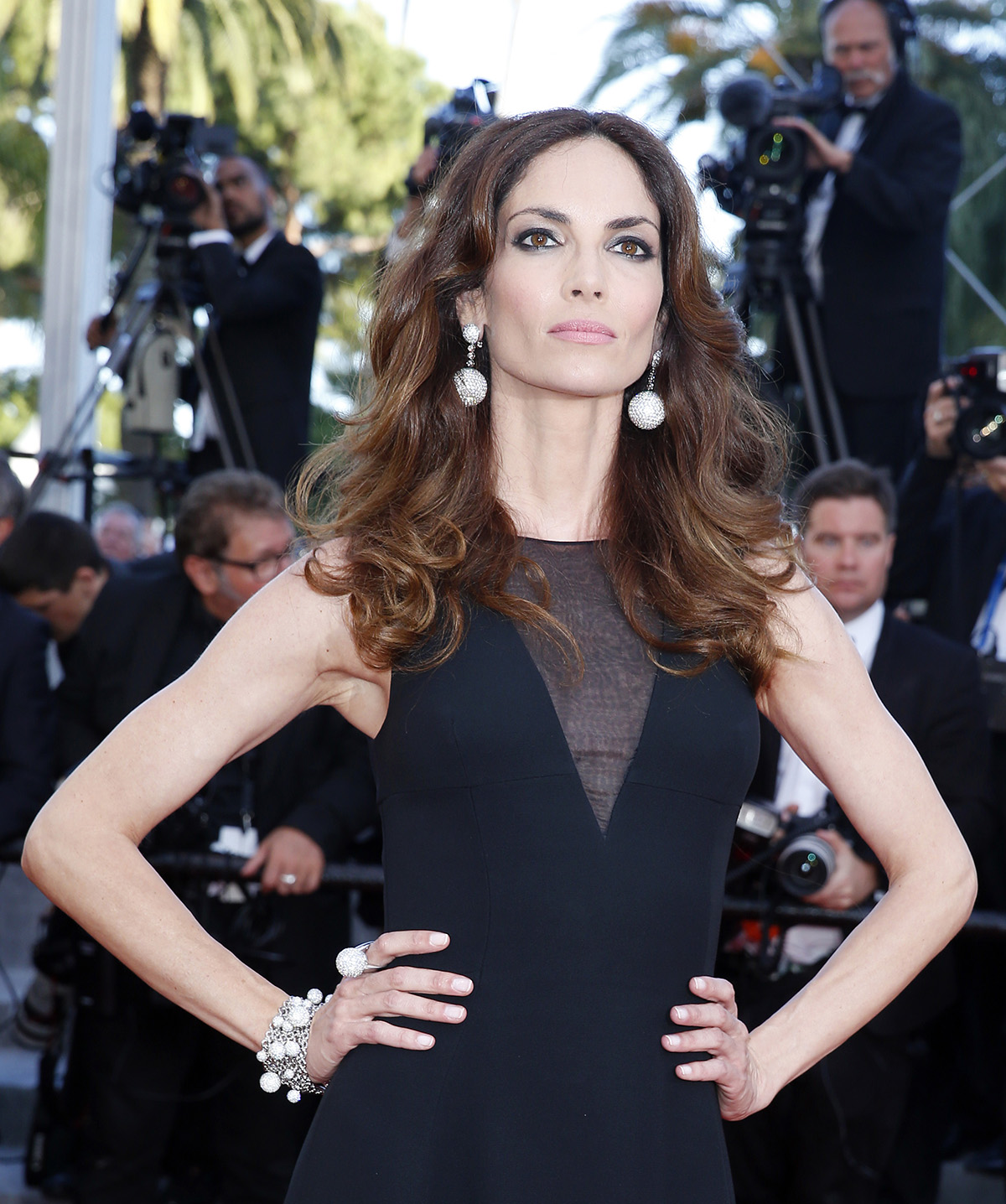 Eugenia Silva, das Spanische Supermodel trägt Ohrringe, Armband und Ring von de Grisogono aus der Iconic Kollektion