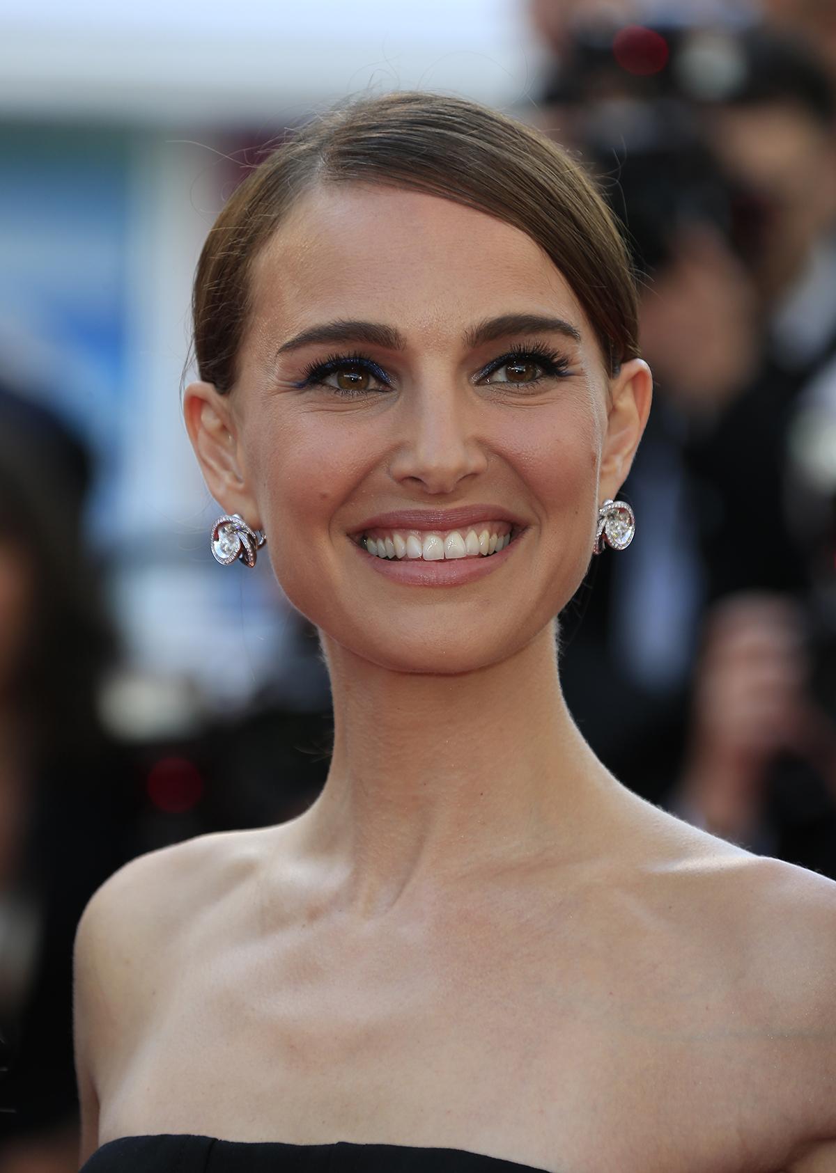 Natalie Portman trägt briolette-cut Diamanten Ohrringe von de Grisogono (Chiocciolina)