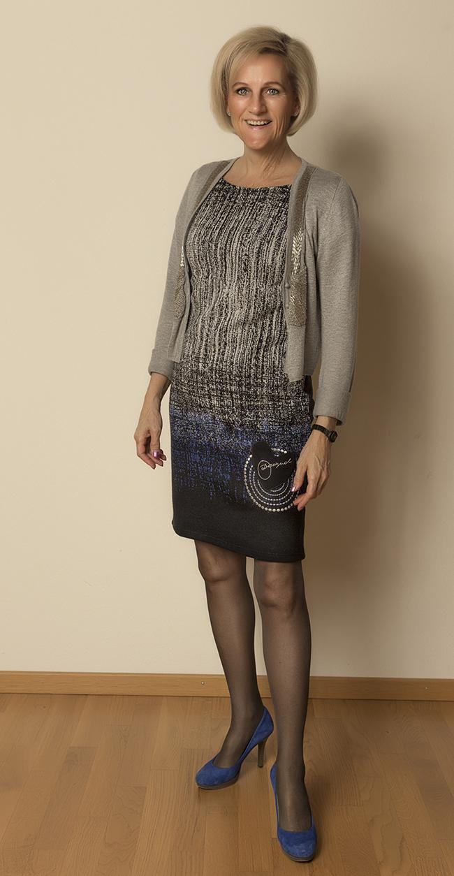 Kleid von Desigual, Jacke von Moda, Schuhe von YKX&Co (aus Como)