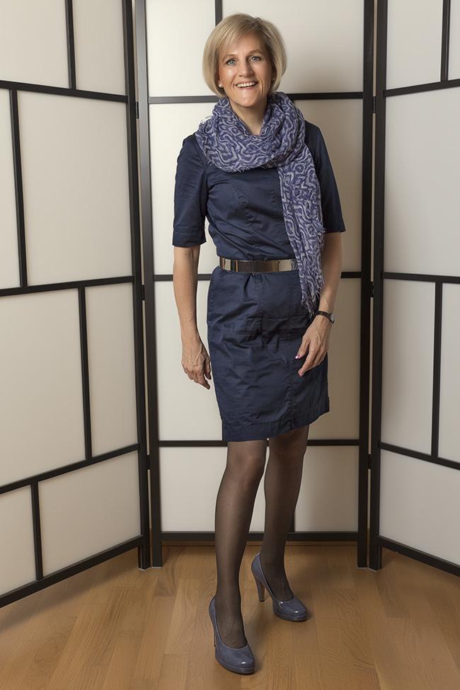 Kleid und Schal ESPRIT, Schuhe TAMARIS, Gürtel - NoName.. gesehen und gekauft