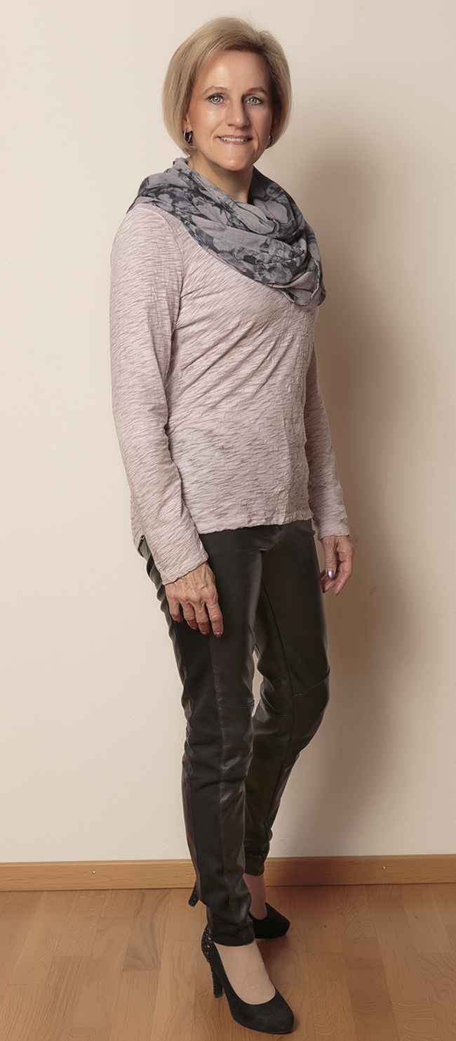 Shirt und Schal s.Oliver, Hose H&M, Schuhe Limelight