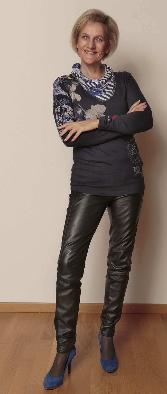 Shirt Desigual, Hose H&M Schuhe YKX&Co