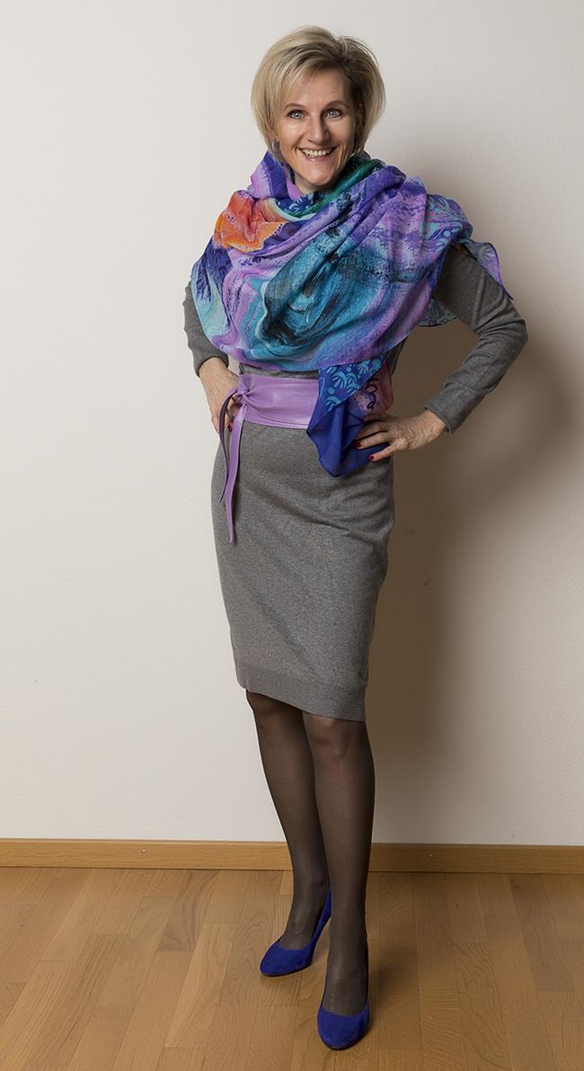 Kleid InWear, Schal Desigual, Schuhe Minelli, Gürtel aus einer wundervollen kleinen Boutique in Como