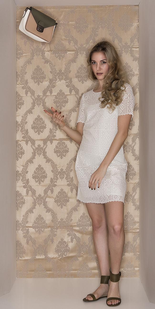 Französische Coolness Kleid ba&sh Kenia Tasche Pliage Heritage Tricolore Sandalen Longchamp