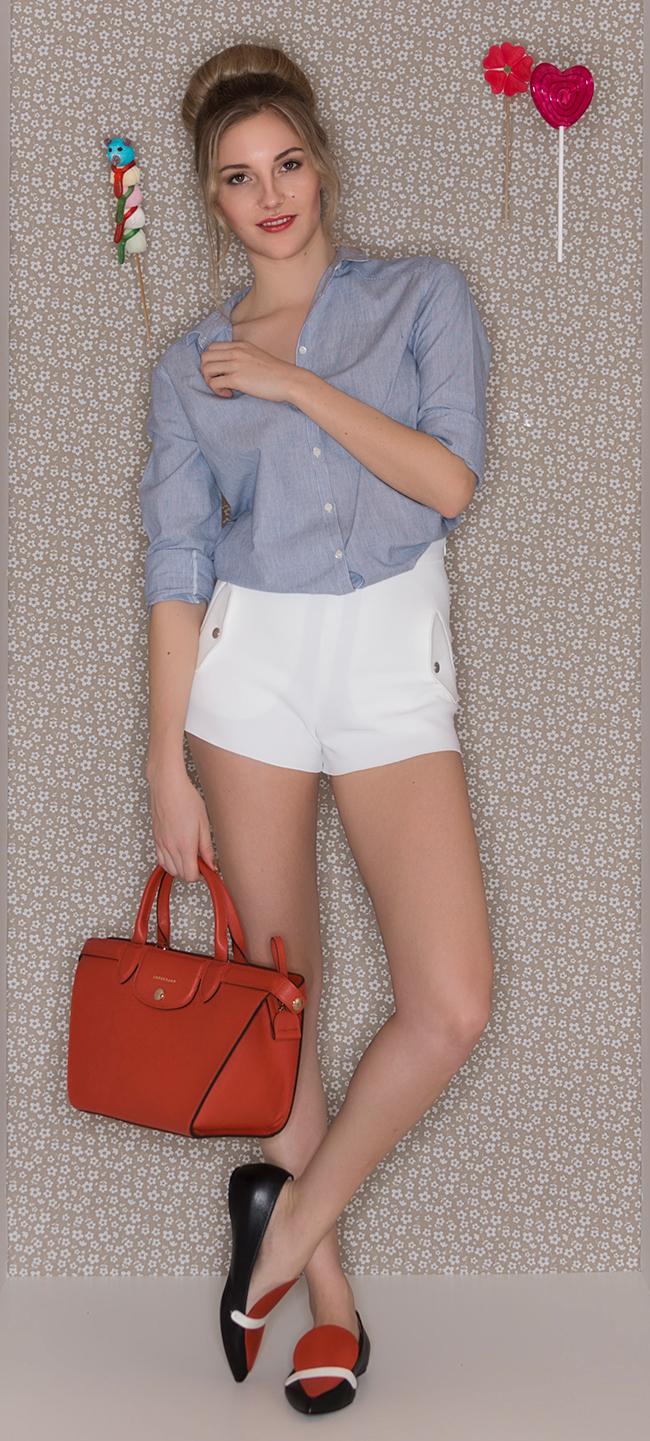 Der Inbegriff der französischen Sinnlichkeit Bluse ba&sh Arnica Shorts Longchamp Tasche Pliage Heritage Ballerinas Longchamp