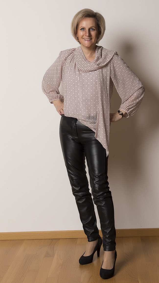 Bluse B&B Collection, Hose H&M, Schuhe Limelight