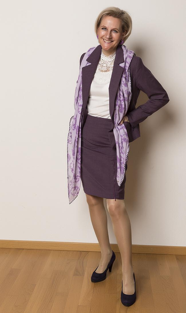 Anzug/Kostüm Sei Unica, Bluse H&M, Schuhe Graceland