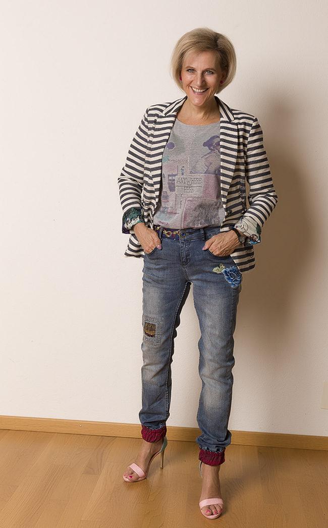 Jacket und Hose Desigual, Shirt s'Oliver, Schuhe Gaudi