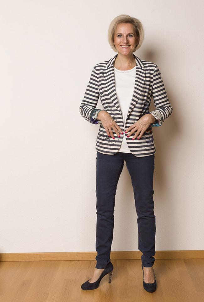 Jacket Desigual, Shirt + Hose Bonita, Schuhe Navyboot