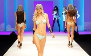Das Schweizer Label Eniqua Beachclubwear zeigt die neue Kollektion SS 2016